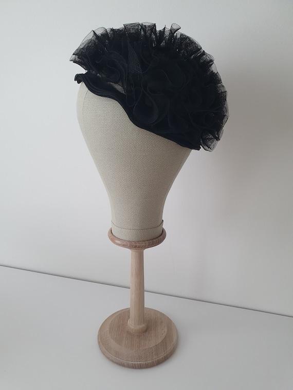 Vintage deadstock ca 1950s 1960s tulle pillbox hat