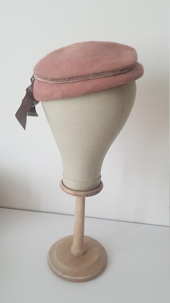 Vintage ca 1940s pink fuzzy hat deadstock