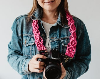 MACRAME CAMERA STRAP / pink / boho / photography strap for creatives / gift for photographer