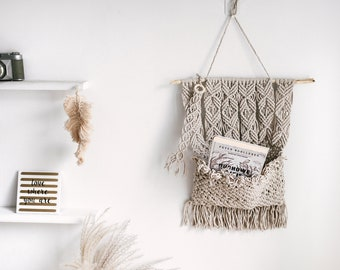 MACRAME BOOK HANGER, wall pocket, wall organizer, wall hanging, natural boho style decoration, gift for home, bookworm, bedroom