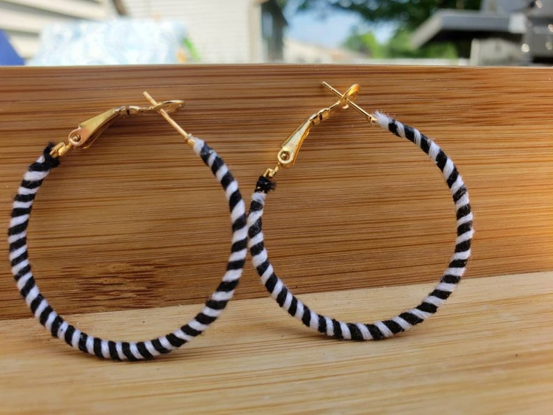 Womens Accessories Black and White Stripes Contemporary Style Lightweight Modern Jewelry Hoop Earrings Gifts for Her