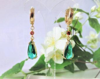 earrings, the walking castle Hauru earrings, rhinestones, various clasps, mini creoles, hooks, sleepers, clips