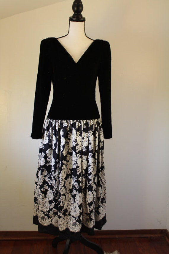 1980's drop waist Jeannene Booher Maggy London bla