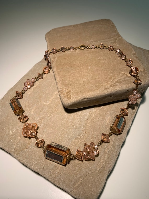 Beautiful delicate pink glass necklace