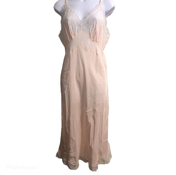 Vintage 1950's Rhythm Lingerie nightgown