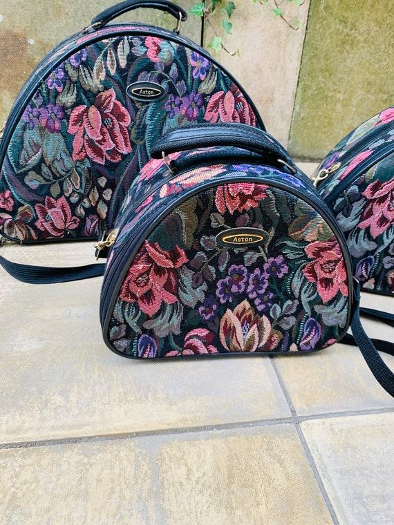 VINTAGE 1980s Floral Boho Tapestry Vanity Case Travel Luggage Bag