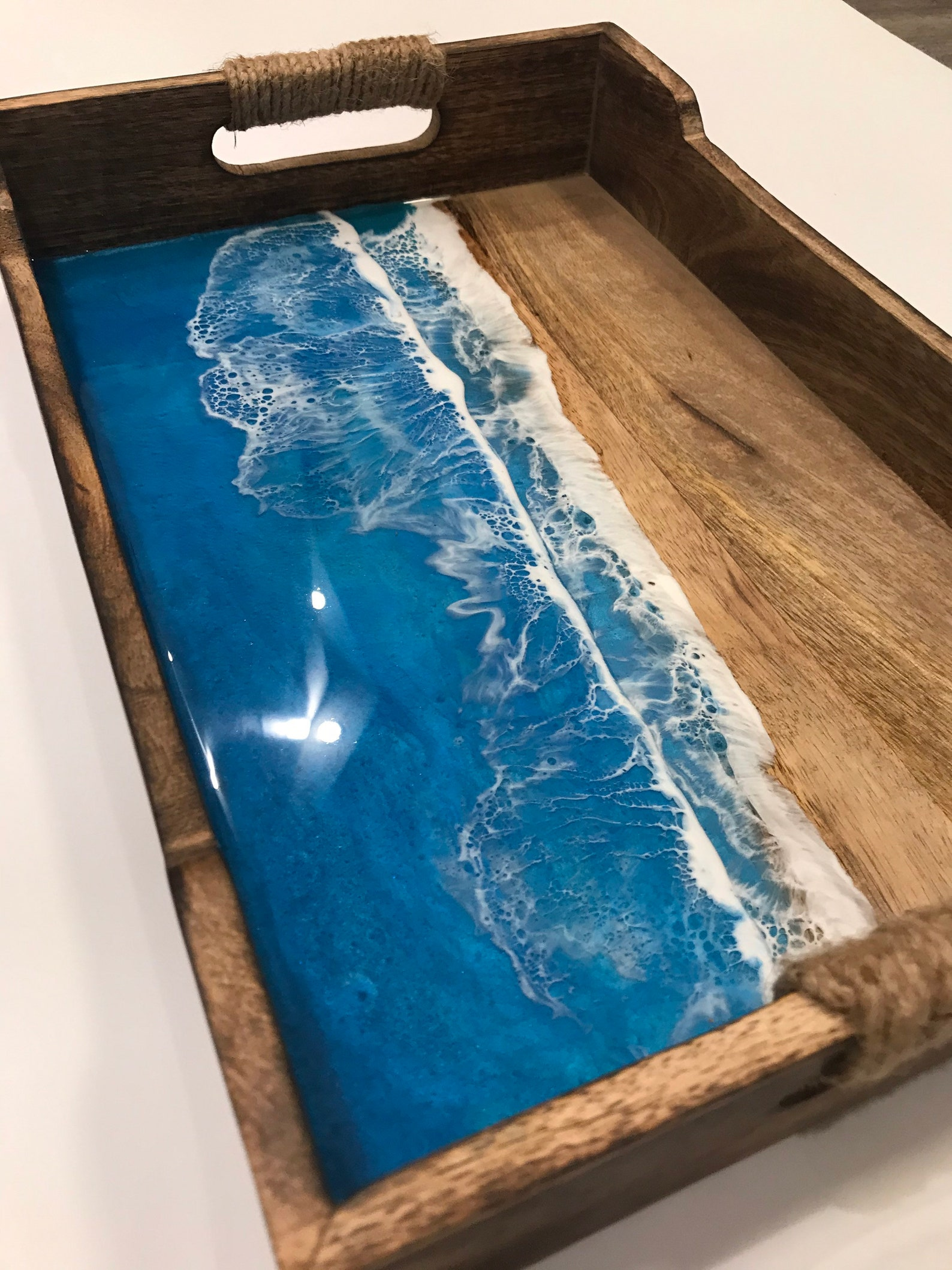 Holzbrett im Ozean Design