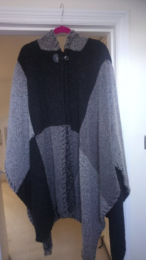 Vintage wool cape with hood. Black and grey, free… - image 1