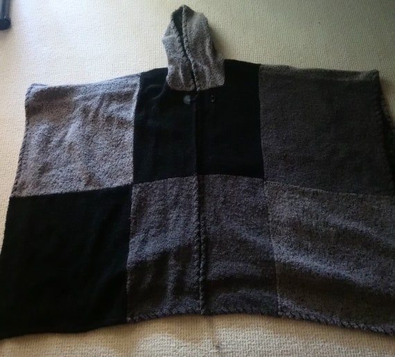 Vintage wool cape with hood. Black and grey, free… - image 2
