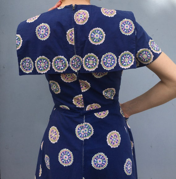 1940s Pat Premo medallion print day dress // vibra