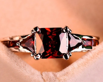 Red Garnet Ring | Red Stone Ring | Red Gemstone Ring | Gift For Her | Women Ring | Anniversary Ring | Love Ring | Engagement Ring |