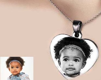 Customizable HEART MEDAL + CHAIN: Engraved heart with photo or text / initials / image / logo with a black gift box