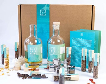 DO YOUR WHISKY   Diy Infusion Kit for Homemade Whisky Flavour   Original Gift Set   12 Woodchips & Botanicals in Glass   6 Whiskey Stones