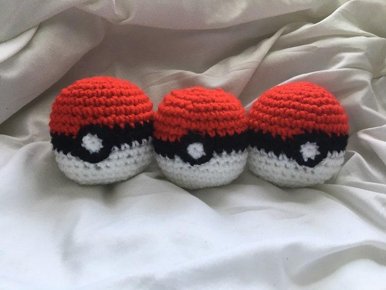 Crochet Pok\u00e9mon Pokeballs