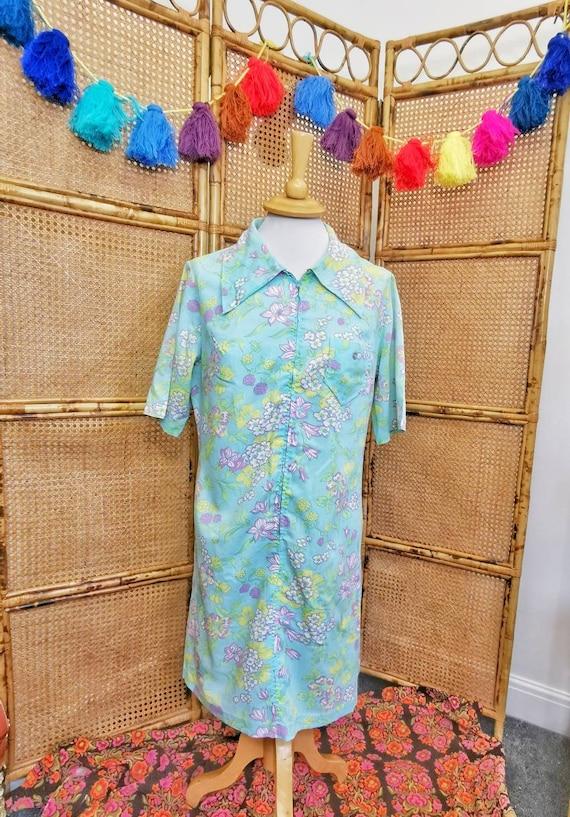 1960s /70s aqua floral shirt dress with dagger co… - image 2