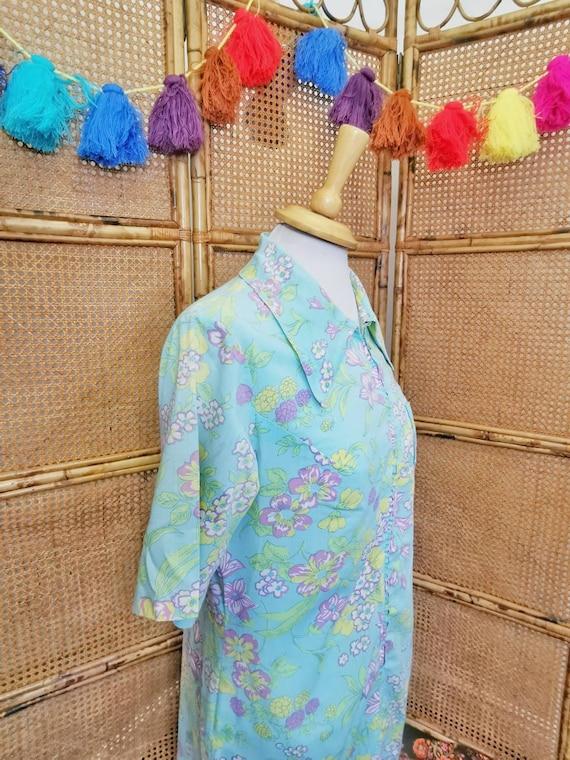 1960s /70s aqua floral shirt dress with dagger co… - image 4