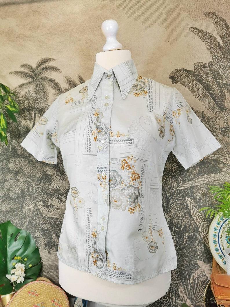 art nouveau deco design,70s dagger collar blouse,vintage women/'s blouse, 1970s dagger collar satin blouse with oriental peony cloud pattern