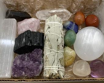 15 pcs Premium Crystals Healing Kit In Box with 7 Chakra Stones Sage Quartz Amethyst Tourmaline Selenite Rose Quartz Palm Stone, Gift Set!
