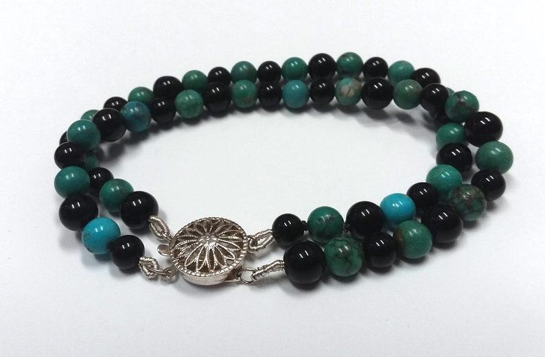 6 34 inch Estate Onyx and Turquoise beaded Bracelet