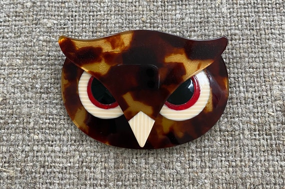 Lea Stein signed Athena Owl Brooch