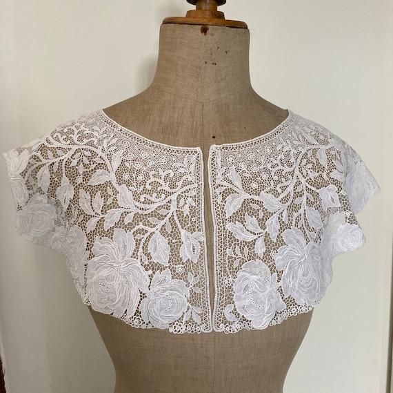 Vintage Rose Lace Collar - image 3