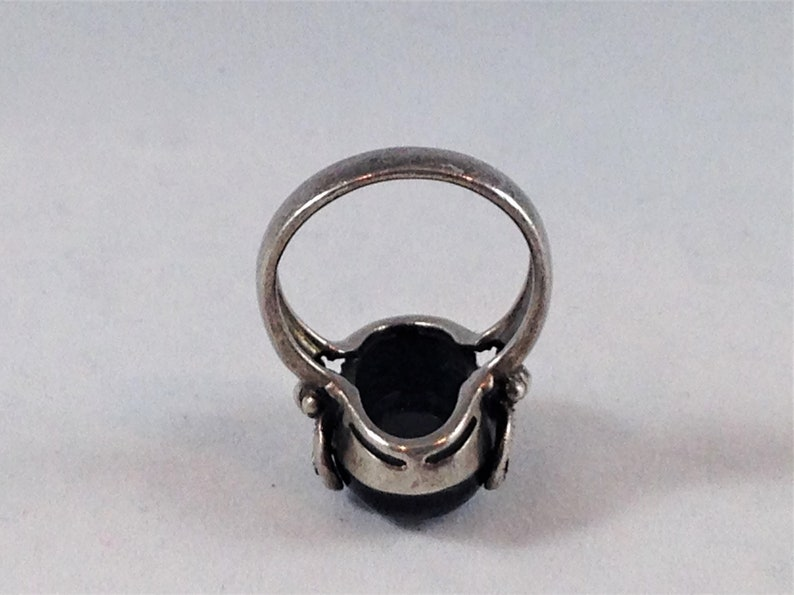 Big Shiny Onyx Cabochon and Marcasite Big Beautiful Sterling Silver Vintage Ring with Curled and Textured Prongs Ring Size 7