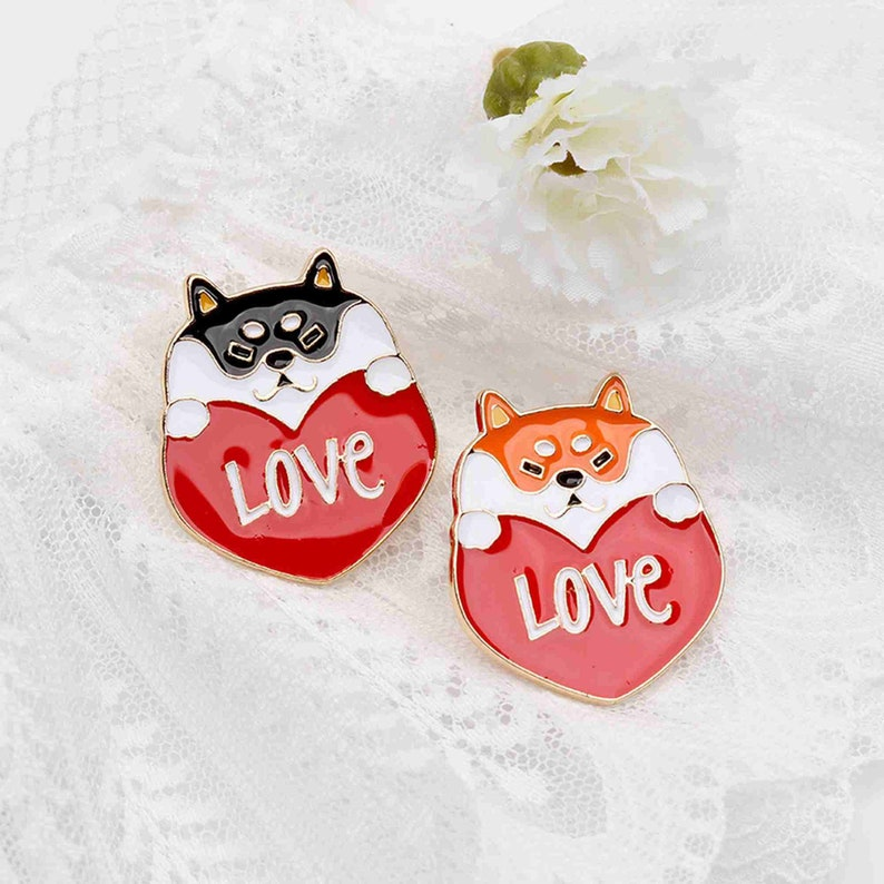 Lovely Shiba Inu love Valentine/'s Day gift BROOCH BADGE bag accessories Medal