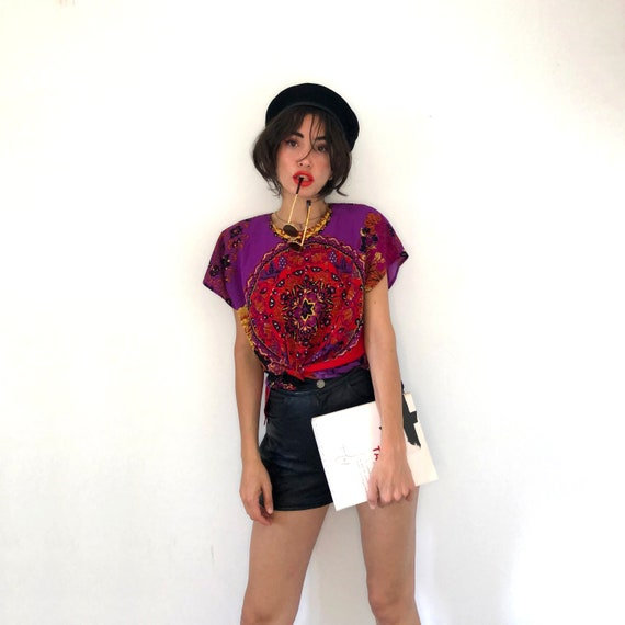 Scarf print top. Psychedelic print t-shirt - image 3