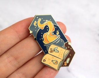 Potion Pin - Couldron Magic Witch Wizard Gold Potter Spell Pins