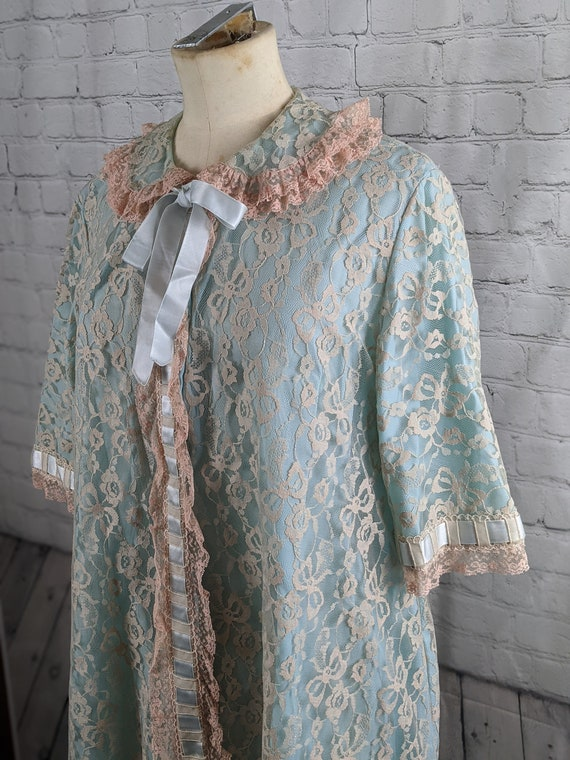 1960s Pink and Blue Lace Dressing Gown