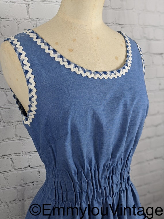 Adorable 1940s/1950s Elastic Waist House Dress