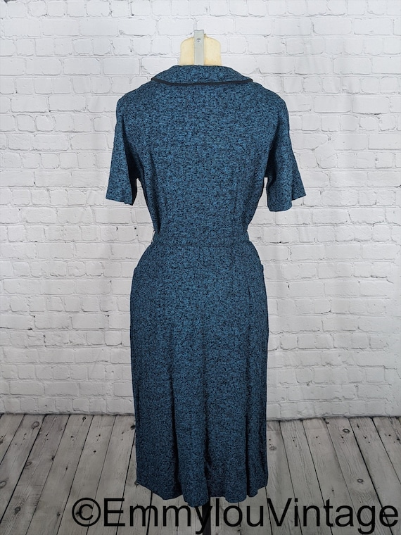 Beautiful Late 1940s Early 1950s Blue Knit Dress - image 5