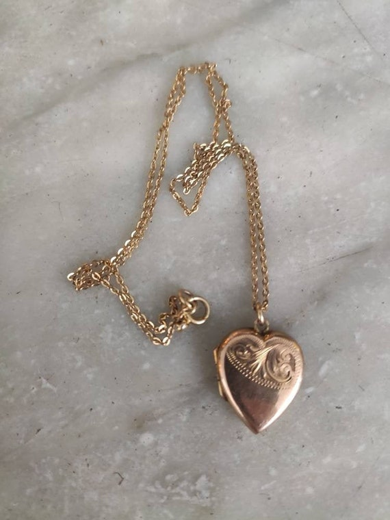 Vintage 9 ct rose gold back and front locket and c
