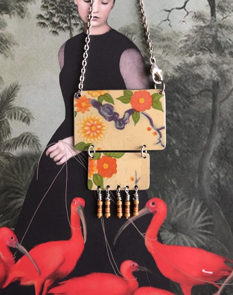 lightweight boho statement jewelry axial-lead resistors tin necklace upcycled 1950s klipp/'s kaffee tin pink /& orange chrysanthemums