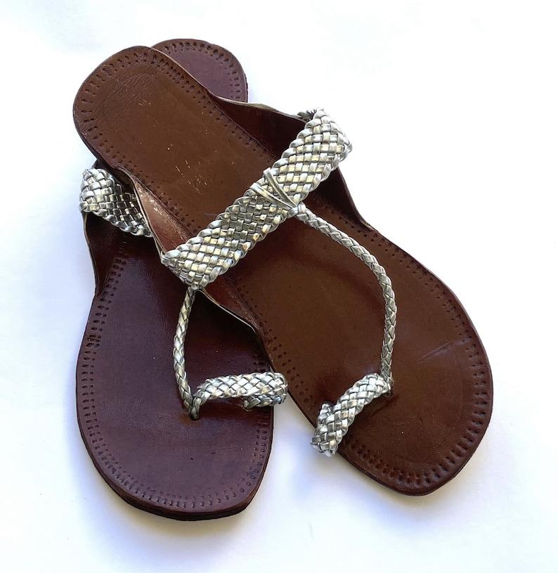 Silver T Strap Kolhapuri Sandals Leather Boho Style Flat Women/'s Handmade Slip Ons Flip Flops Summer Gift for her Shoes