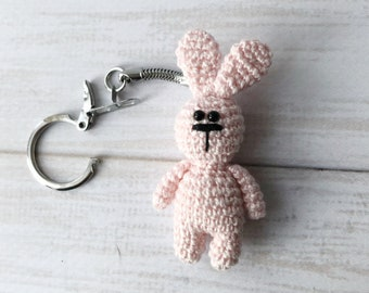 Little bunny keychain amigurumi - Turkey Pattern - Amigu World | 270x340