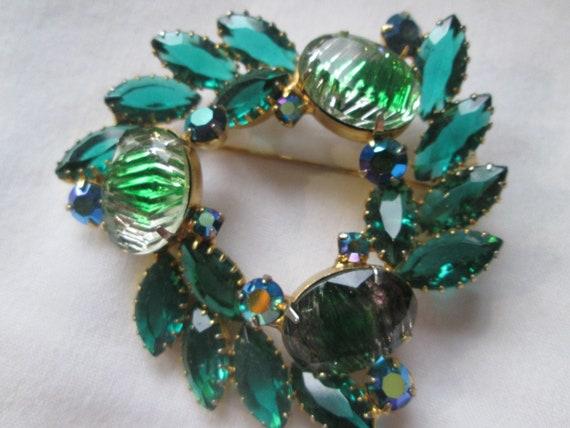 Juliana Open Back Brooch Green Art Glass Rhineston