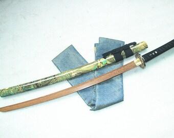 Wooden Samurai Katana Sword w Scabbard Cosplay Video Game Weapon
