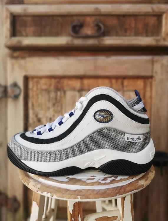 90s REEBOK vintage sneakers