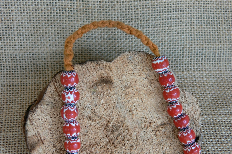 Ethnic necklace red glass beads in rounded shape diameter 0.9cm folk necklace origin Nepal tribal jewelry