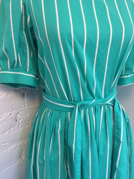 Laura Ashley Vintage 90s Tie Waist Midi Dress Gre… - image 3