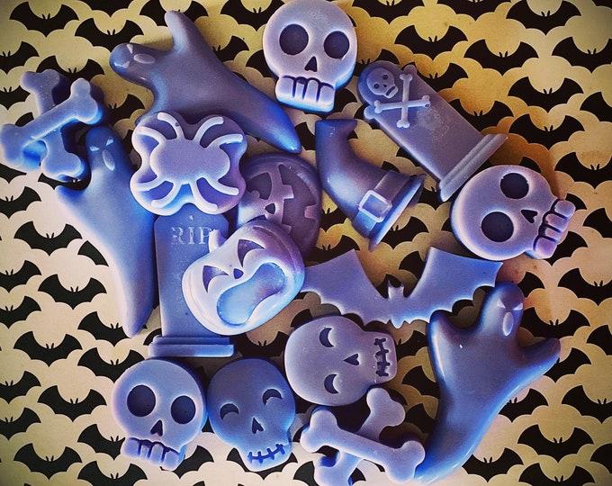 WAX MELTS   skulls & bones   Halloween   choose your scent   soy wax   limited batch   Halloween wax melts