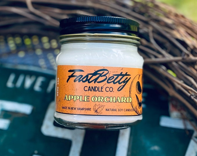 APPLE ORCHARD | 8oz Mason Jar | soy candle | hand poured | macintosh apple | natural candles | halloween | fall candles