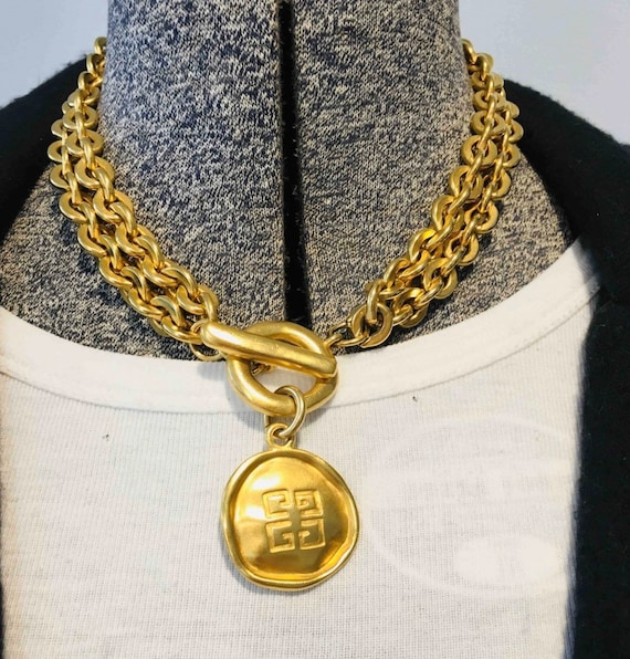 Necklace Givenchy vintage