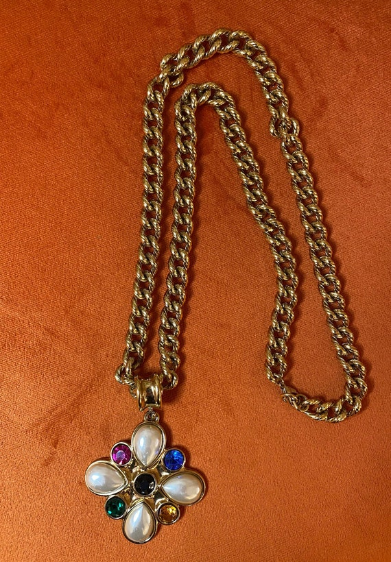 Guy Laroche necklace