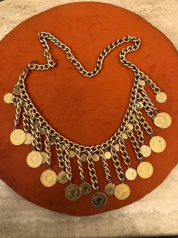 Charm chain belt