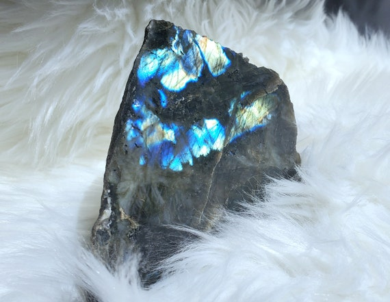 Gorgeous 3 lbs Labradorite - cut base!