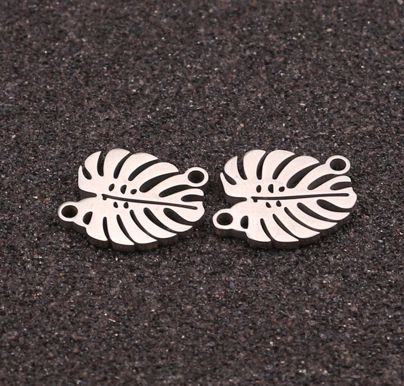 5pcslot Leaf Stainless Steel Connector Jewelry Making DIY Necklace Bracelet Connector Decoration Pendant Connector Women Jewelry Gift.