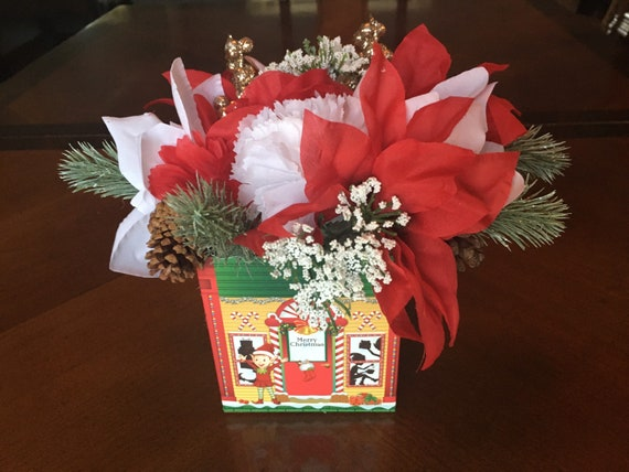 Christmas Floral Arrangement In A Box Etsy