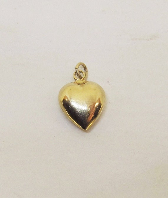 Puffed Heart Pendant/Charm 14Kt yellow Gold (1113)